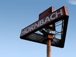 Eerste paal eerste Hornbach in Amsterdam