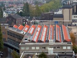 Portaal opent grootste zonnecentrale Leiden