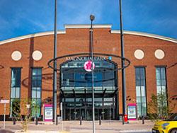 Multi herfinanciert megawinkelcentrum Wroclaw
