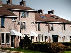 Bouwinvest verkoopt twee woningcomplexen