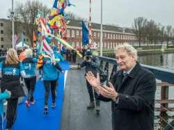 Tijdelijke brug ontsluit Marineterrein Amsterdam