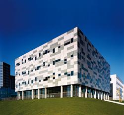 Verwey beheert bedrijfs onroerend goed Rotterdam