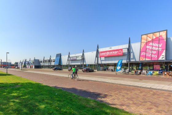 Woningcorporatie verkoopt retailcentrum in Dronten