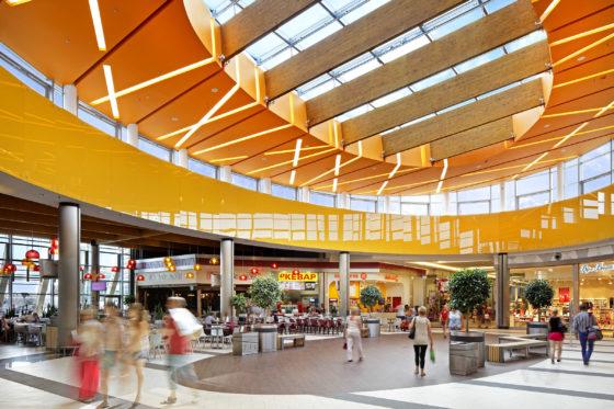 Acteeum verkoopt Pools winkelcentrum voor 55,4 miljoen