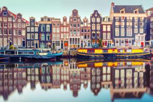 Kleine belegger drijft woningprijs A'dam op