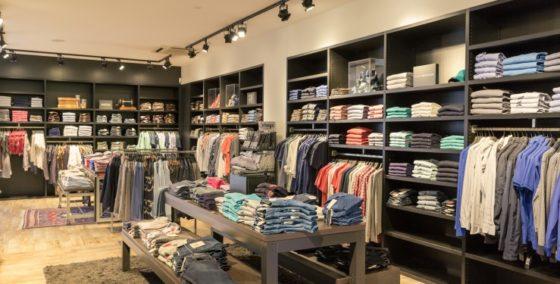 Modeketen Piet Zoomers verkoopt winkels