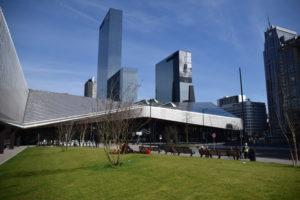 Haagse en Rotterdamse kantoren nog 'goedkoop'