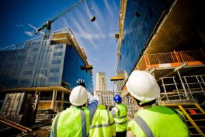 Groei bouwproductie vertraagt door personeels- en materiaaltekorten